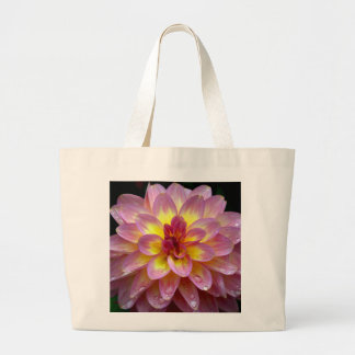 Beautiful pink dahlia flower with raindrops canvas bag
