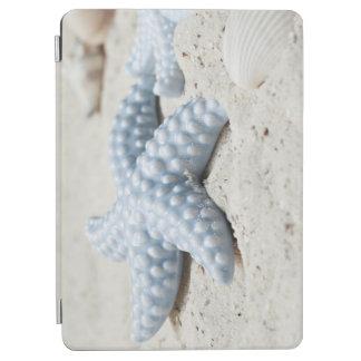 Beautiful summer beach sea star shell and sand iPad air cover