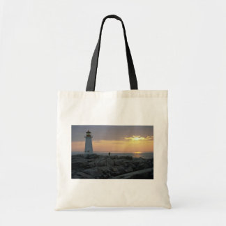 Beautiful Sunset: Peggy's Cove Light House, Nova S Bag