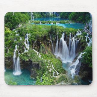 Beautiful water falls mouse mat