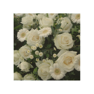 Beautiful White Flowers Bouquet Wood Print