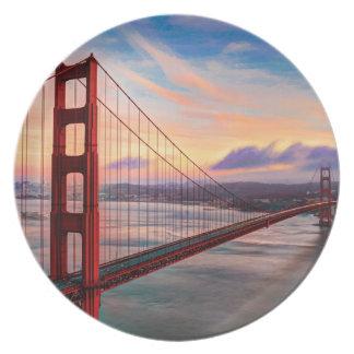 Beautiful winter sunset at Golden Gate Bridge Plate