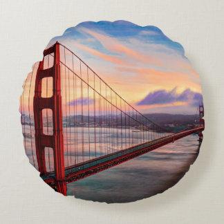 Beautiful winter sunset at Golden Gate Bridge Round Cushion