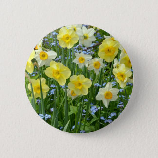 Beautiful yellow daffodil garden 6 cm round badge
