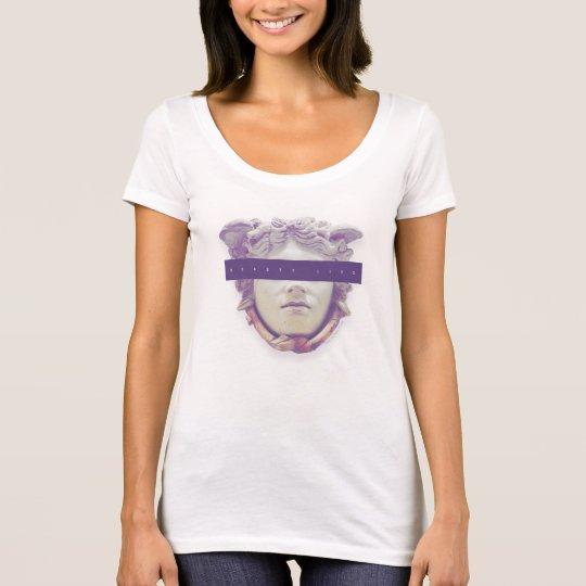 """""""Beauty Lies"""" T-Shirt"""