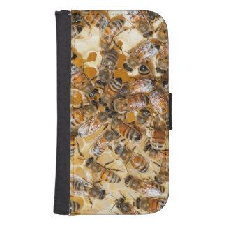 Bee keeping at Arlo's Honey Farm Samsung S4 Wallet Case