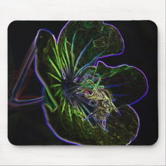 bee_on _flower_art mouse pad