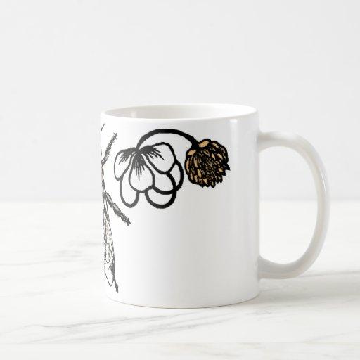 bee with clover coffee mugs