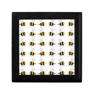 bee -  yellow gift box