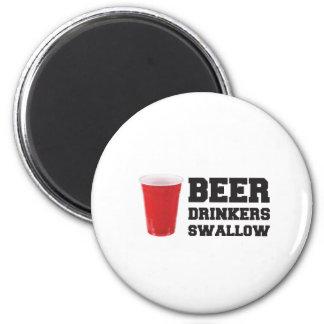 Beer Drinkers Swallow 6 Cm Round Magnet
