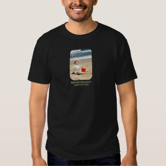 Benevolent Dictator: baby on a beach! T-shirts