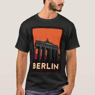 berlin germany oktoberfest art deco retro travel T-Shirt