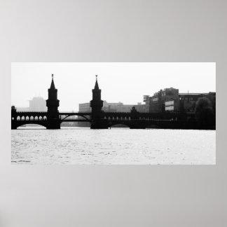 Berlin Oberbaumbrücke black Weis Poster