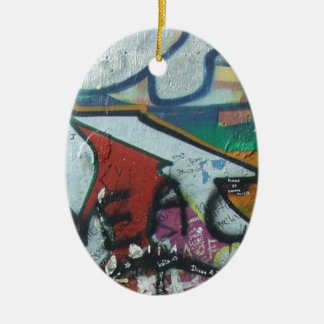 berlinwall design ceramic oval decoration