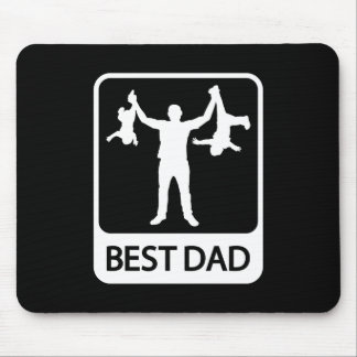 Best Dad - Funny Silhouette of Father Holding Kids Mouse Mat