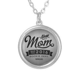 Best New Mom 2016 Round Pendant Necklace