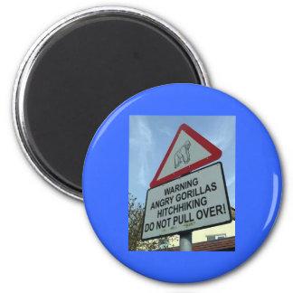 beware: angry gorillas! 6 cm round magnet