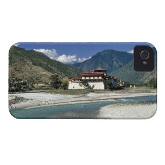 Bhutan, Punaka. The Mo Chhu River flows past iPhone 4 Case