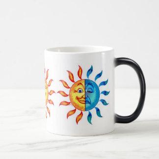 Bi Polar Solar Morphing Mug