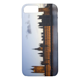 Big Ben and the Houses of Parliament in the city iPhone 8/7 Case