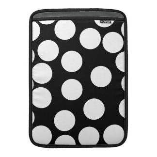 Big Dots in Black and White. Sleeve For MacBook Air