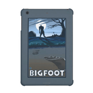 Big Foot walking through Golf Course