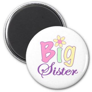 Big sister (flower) 6 cm round magnet
