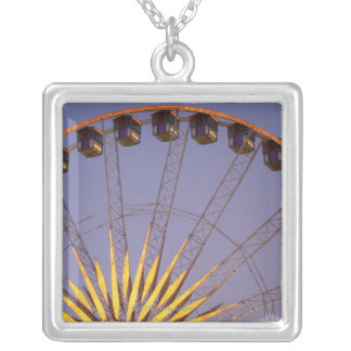 Big wheel silver plated necklace