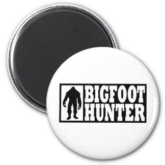 Bigfoot Hunter - Finding Bigfoot 6 Cm Round Magnet