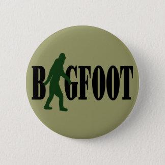 Bigfoot text & green squatch graphic 6 cm round badge