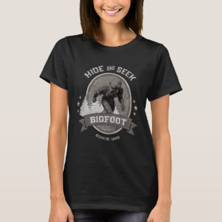 Bigfoot Yeti. Sasquatch. Retro, Vintage. T-Shirt