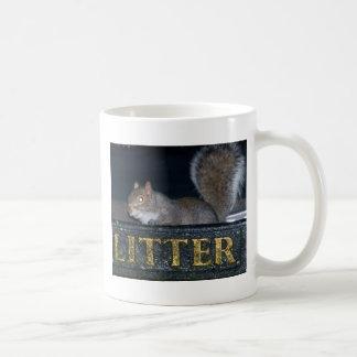 Bin-raid Cheeky squirrel Coffee Mugs