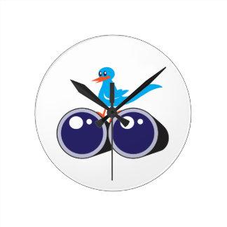 BIRD WATCHER ROUND WALL CLOCK