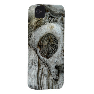 Bizarre tree abstract round shape iPhone 4 Case-Mate case
