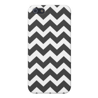 Black and White Chevron Pattern iPhone 5/5S Case