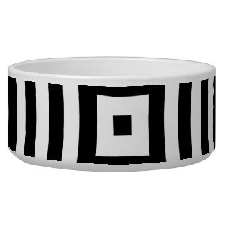 Black and White Concentric Circles Pattern
