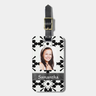 Black and white daisy pattern luggage tag