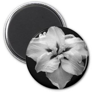 Black and White Flower 6 Cm Round Magnet