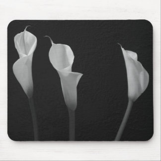 Black and White Flowers Mousepads