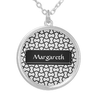 Black and white mesh pattern round pendant necklace