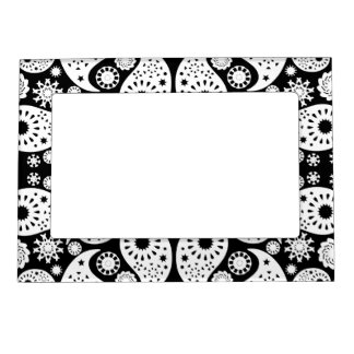 Black and White Paisley. Magnetic Picture Frame