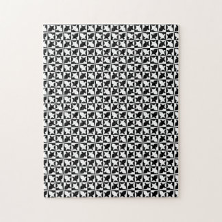 Black and white pattern puzzle