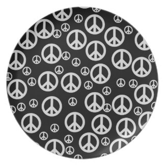 Black and White Peace Signs Plate