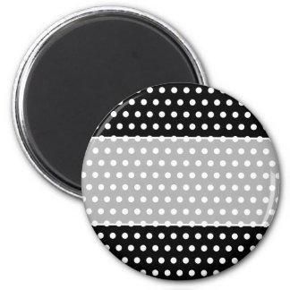 Black and White Polka Dot Pattern. Spotty. 6 Cm Round Magnet