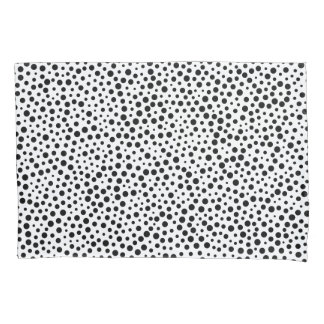 Black and White Polka Dots Pattern Pillowcase