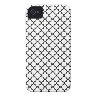 Black and White Quatrefoil Clover Pattern iPhone 4 Case-Mate Cases