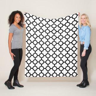 Black and White Quatrefoil Lattice Pattern Fleece Blanket