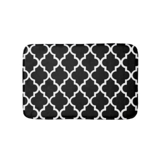 Black and White Quatrefoil Tiles Pattern Bath Mat