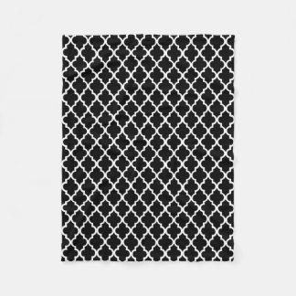 Black and White Quatrefoil Tiles Pattern Fleece Blanket