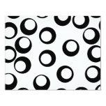 Black and White Retro Circles Pattern. Personalized Invitations